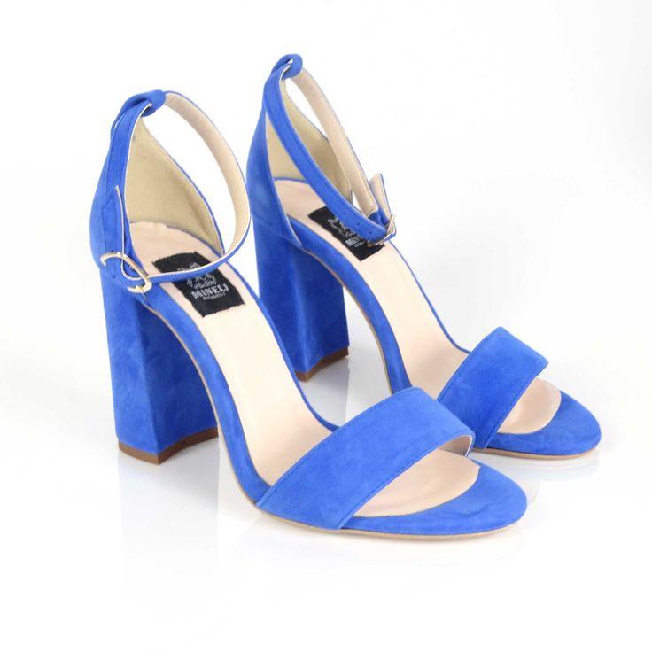 Sandalele de dama Mineli Sophia Blue sunt realizate din piele naturală camoscio și sunt ideale pentru o ținută office sau casual, de zi cu zi. Înălțime toc: 9 cm.