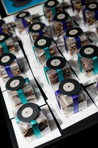 Record themed favor boxes.