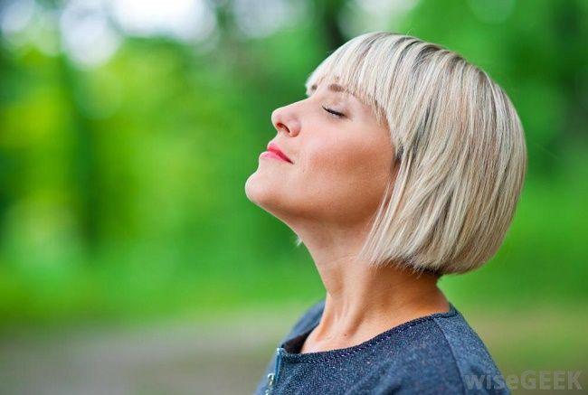6 técnicas de respiração para relaxar e acalmar o corpo em 10 minutos ou menos