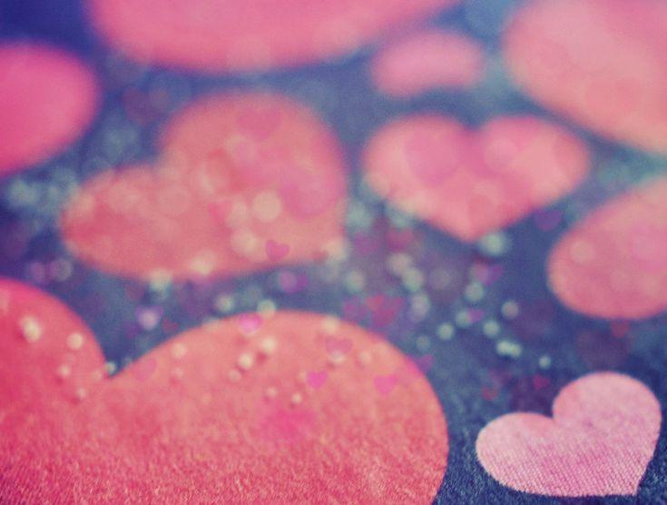 Walentynki (ang. Valentine's Day) – coroczne święto zakochanych przypadające 14 lutego. Nazwa pochodzi od św. Walentego, którego wspomnienie liturgiczne w Kościele katolickim obchodzone jest również tego dnia. Zwyczajem w tym dniu jest wysyłanie listów zawierających wyznania miłosne (często pisane wierszem). Na Zachodzie, zwłaszcza w Wielkiej Brytanii i Stanach Zjednoczonych, czczono św. Walentego jako patrona zakochanych.