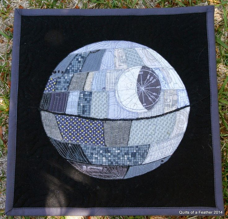 Quilts of a Feather: Patchwork Death Star mini quilt, link to english paper piecing pattern