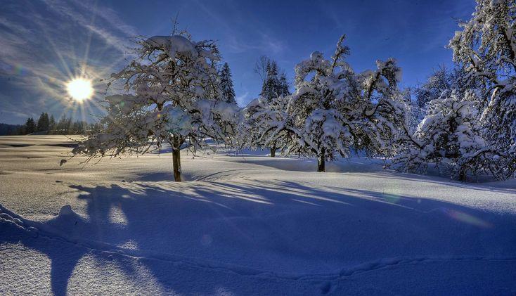 Weihnachten im Schnee. Lassen Sie den Stress Zuhause...... Weihnachtliche Kuscheltage in den Bergen...... 4 Sterne-Superior, Wellnesshotel mit Hallenbad, Freibad, mehrere Saunen, Dampfbad, Infrarotkabine, Infrarotliegen, uvm. Bäder- und Massageabteilung mit König Ludwig Wannen, Cleopatrabad, klassische und fernöstliche Massagen durch Fachpersonal. Beauty- & Kosmetikstudio. Winter: Direkt an Skilift und Loipe. Ski out & in. Skipass inklusive: Imbergarena (8er Gondel, 6er Sessellif...