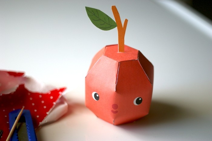 Arthur Apple - Printable PDF paper craft.