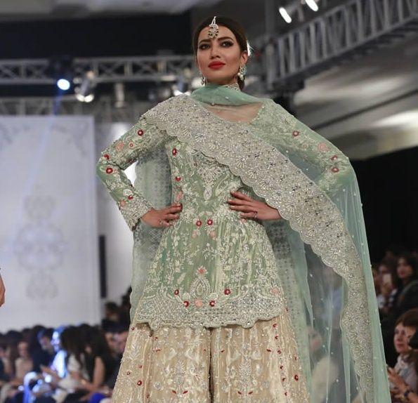SANIA MASKATIYA BRIDAL COLLECTION AT LOREAL FASHION WEEK 2016 Sania Maskatiya showcased latest brid...