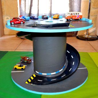 Garage pour petites voitures                                                                                                                                                                                 Plus