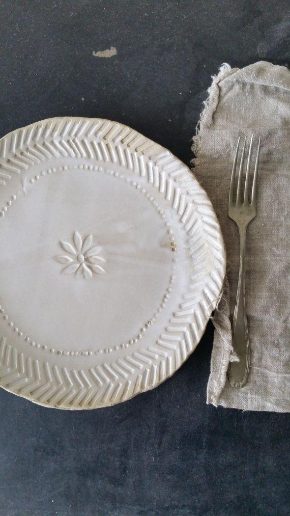 white flat plate, ceramic / stoneware, diameter + / - 21 cm (8 inch) color: white and sand, inside: matt white transparant glaze, outside: unglazed
