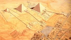 Necropoli di Giza (2550-2500 a.C. circa); Piramidi di Kefren, Cheope, Kaffa, Mykerinos e Menkaura;