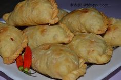 Diah Didi's Kitchen: Pastel Isi Ayam dan Sayuran