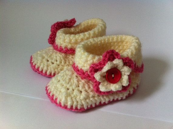 Crochet booties  offwhite pink for baby girl Made by knitted4charm, ₪80.00