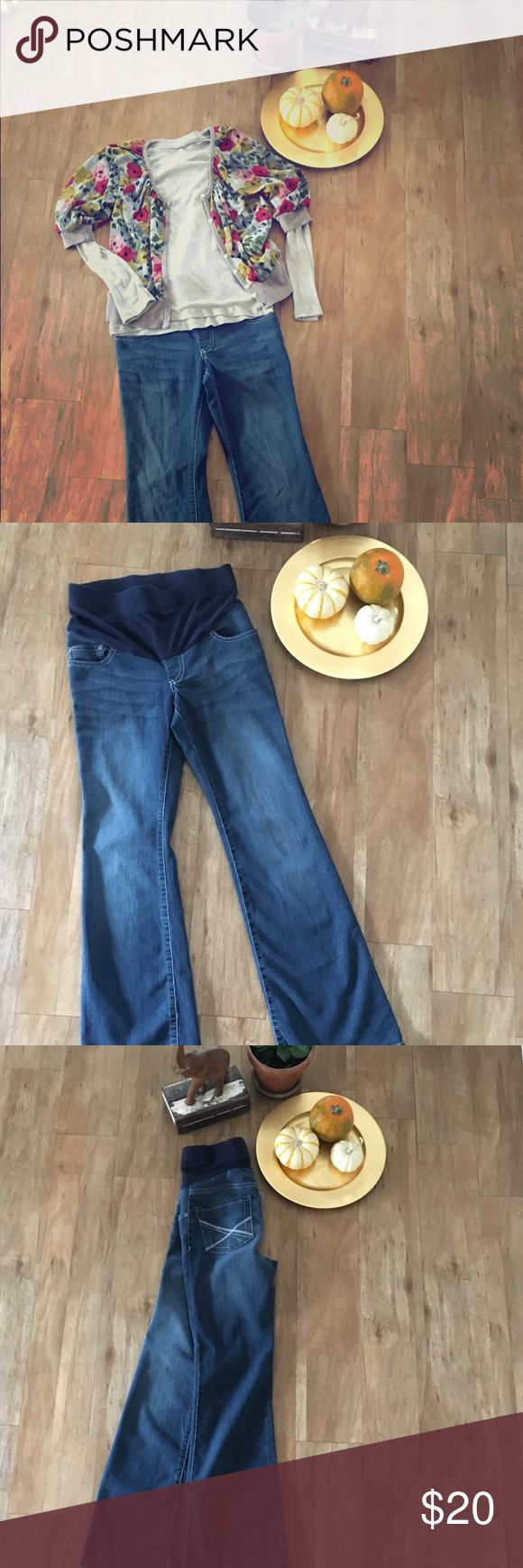 Onyx Maternity Jeans These jeans are comfortable to wear during and after pregnancy!  Size small, 78% cotton, 21% polyester, and 1% spandex. Onyx Jeans Boot Cut