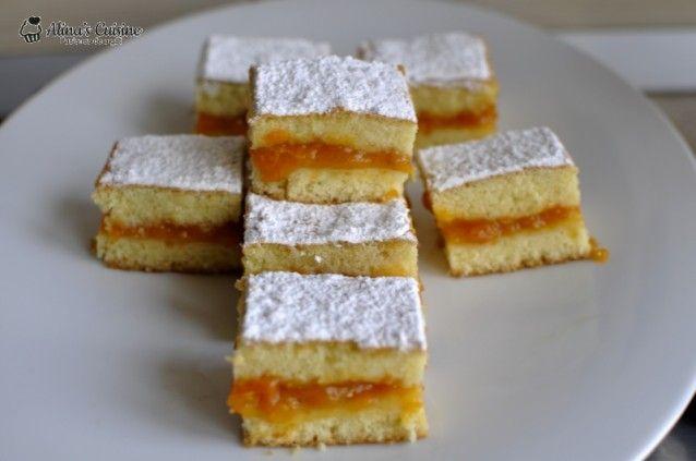 Prăjitură turnată cu caise