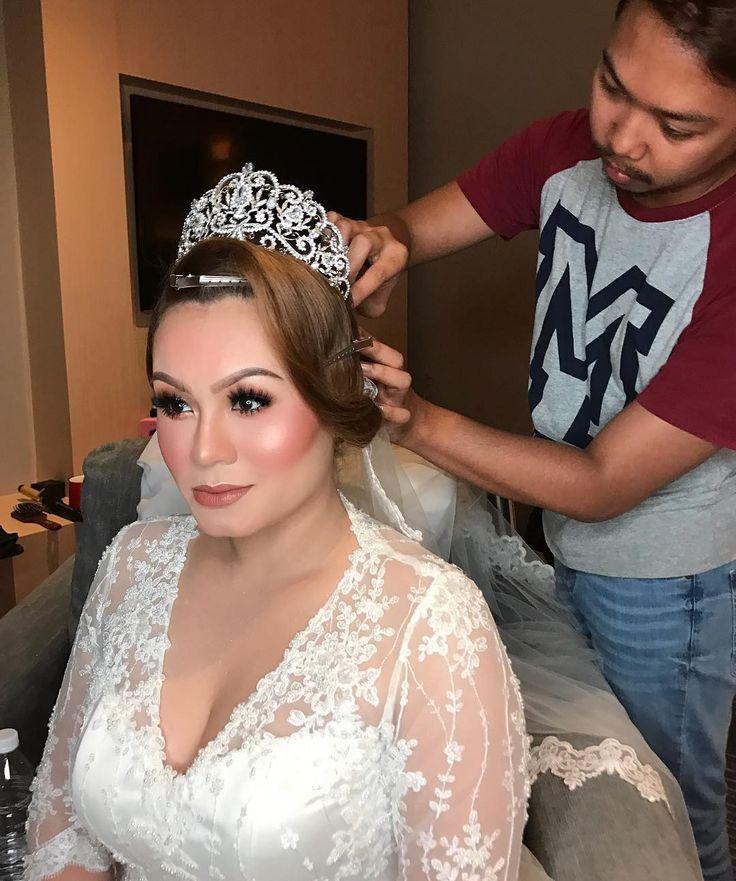 SHARIFAH ALANNA [Night reception] gorgeous Alanna by me. Super duper niceeee person! Had a great time with u darling! . . Hair by @shaari_amin . . #malaywedding #malayweddingguide #pengantin #kahwin #nikah #sanding #tunang #makeupartist #makeupartists #makeupartistmalaysia #muamalaysia #makeupartistkl #makeupartistselangor #muakl #muaselangor #bridalmakeup #bridalsession #bridal #makeup #makeups #love #makeuplover