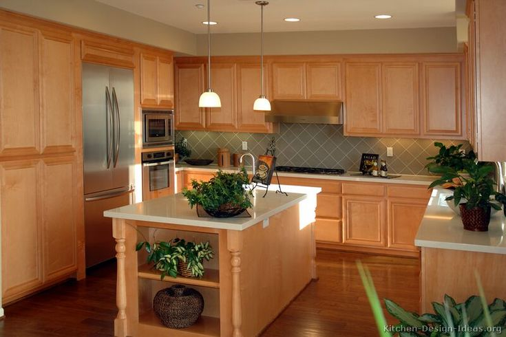 Exceptionnel #Kitchen Idea Of The Day: Traditional Light Wood Kitchens.