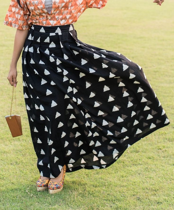 Black With A Bang Skirt Buy this from : https://www.instamojo.com/storeuntold/black-with-a-bang-skirt-size-s/