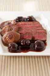 Sliced Beef with Shiitakes and Cherry-Brandy SauceKosher Food, Slices Beef, Cherries Brandy Sauces, Tasty Bites, Cherry Brandy Sauces, Cherrybrandi Sauces