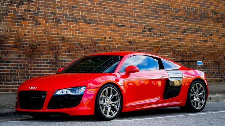 Schönes Foto eines roten Audi R8