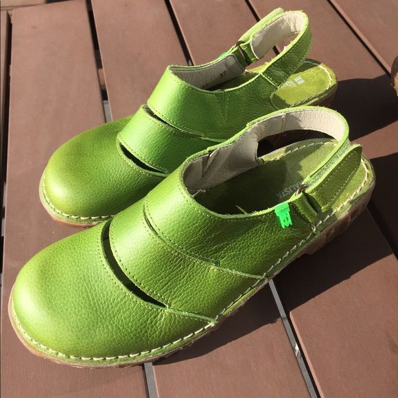 Shop Women's El Naturalista Green size 7 Mules & Clogs at a discounted price at Poshmark. Description: These amazing shoes have never been worn! Found at stores such as REI and Sierra Trading Post, these are made for walking comfortably. They have a high quality leather upper and a recycled rubber sole, and are a European size 37 (US 7). These come from a nonsmoking home.. Sold by emkaywalker. Fast delivery, full service customer support.