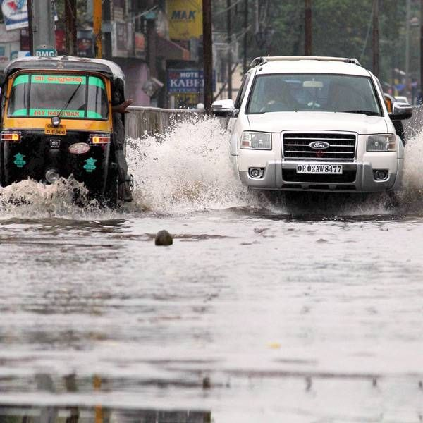 Cyclone Hudhud: 5 killed in AP, Odisha- The Times of India Photogallery Page 10