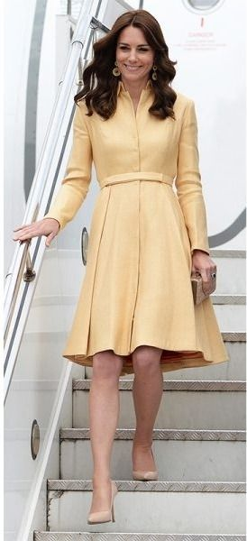 Kate Middleton knows how to style traditional pieces to fit modern-day couture. E're obsessed with this yellow dress.