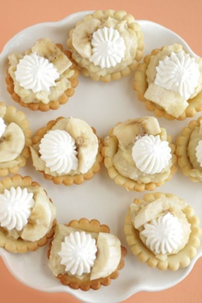 Mini Banana Cream Pies are great to make for your kids after dinner or bring them to a party this weekend.