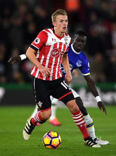 James Ward-Prowse of Southampton (L) takes the ball away from Idrissa Gueye of Everton (R) during the Premier League match between Southampton and Everton at St Mary's Stadium on November 27, 2016 in Southampton, England.