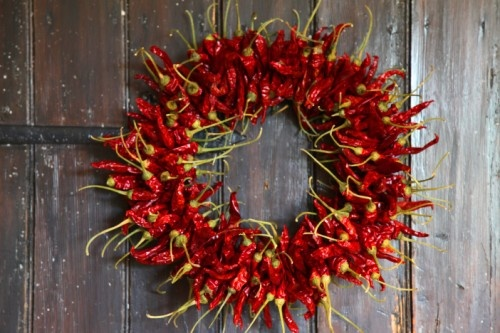 how to make a chili wreath