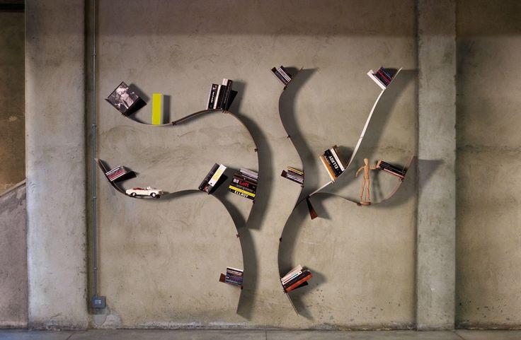 Libreria da parete ad albero Wallboarding1