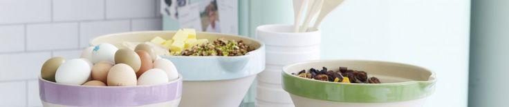 Coleslaw is good for the hips | Aspiring Gourmet  St. Hubert Style coleslaw, yum!