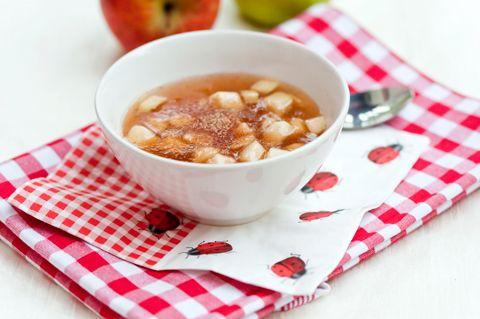 Omenakiisseli on helppo valmistaa ja sopii arkiseksi jälkiruoaksi tai välipalaksi. Omenakiisseli