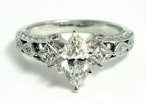 Gorgeous marquise cut ring