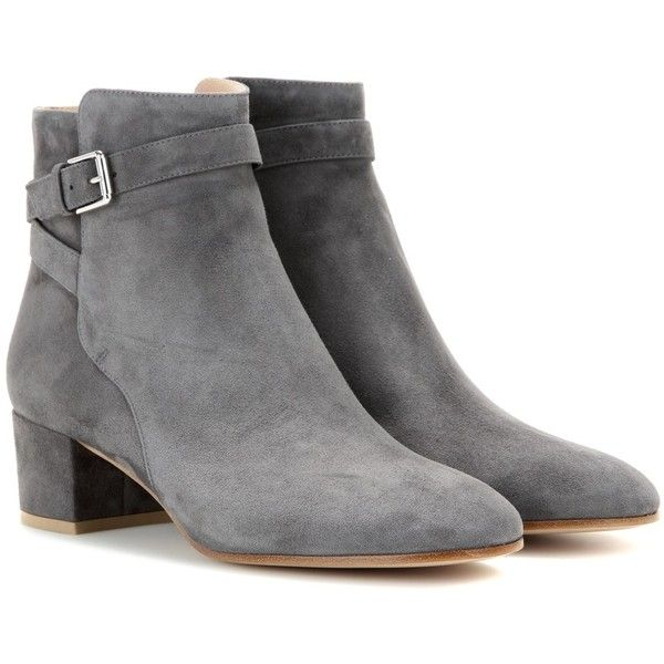 Gianvito Rossi Suede Ankle Boots ($900) ❤ liked on Polyvore featuring shoes, boots, ankle booties, ankle boots, sapatos, grey, suede bootie, suede booties, grey suede booties and short boots