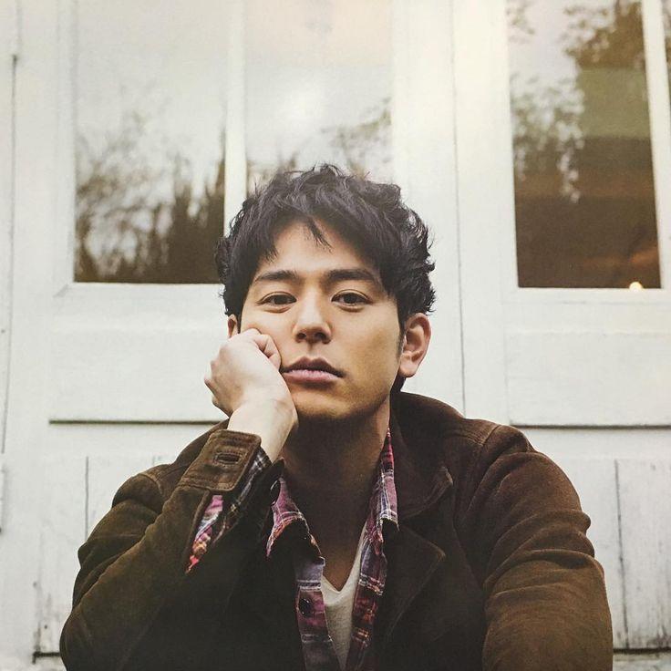 Satoshi Tsumabuki https://www.instagram.com/1jinlin/