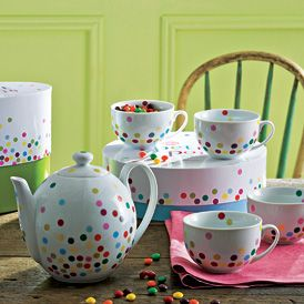 fuckyeahilovetea: heyyoushouldbuythis: This tea set from Rosanna, Inc. is so adorable. The four teacups are $40 & the teapot is $35. They both come in gift boxes that match them. How cute!