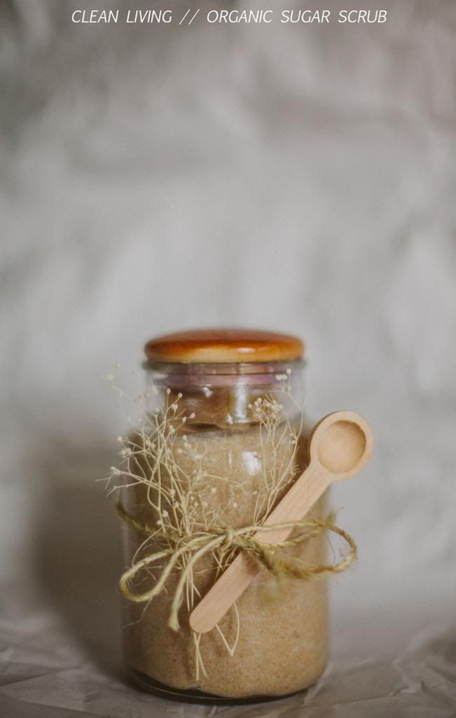 organic sugar scrub ... put in small jars, decorate with rustic twine/raffia and a small wooden scooping spoon. There's a recipe on the page.