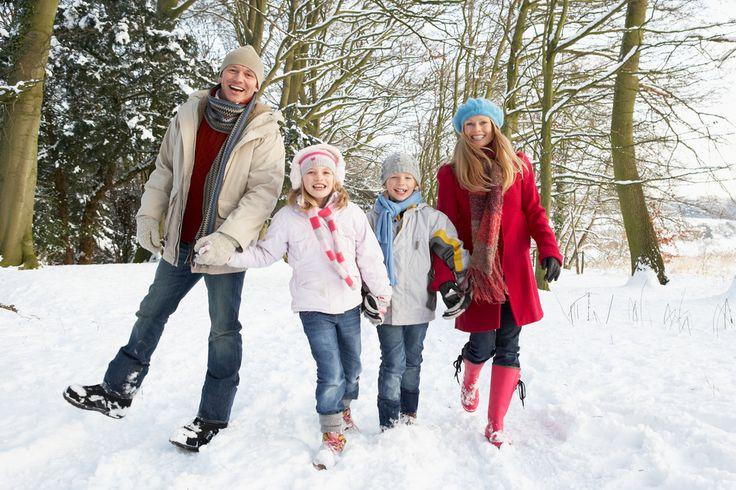 Семейная фотосессия является одним из самых популярных жанров в фотоискусстве. Семейная фотография – это уже не просто память, а реликвия, которая будет передаваться вашим потомкам с поколения в по…