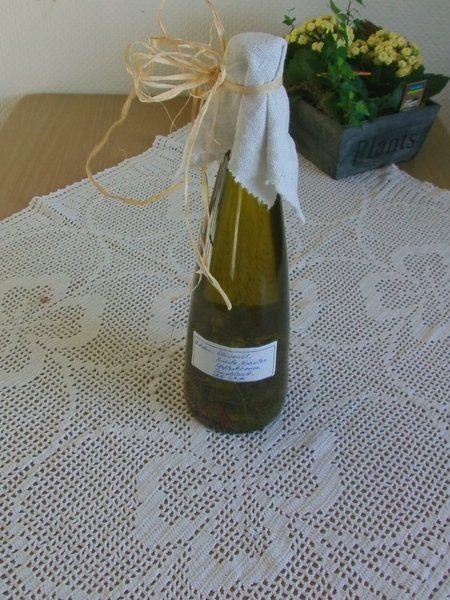 Olivenöl mit Kräutern, Gewürzen und Chili von Manu's kleine Vintage Schatzkiste auf DaWanda.com