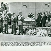 Marilyn Monroe's funeral photo 41131e.jpg