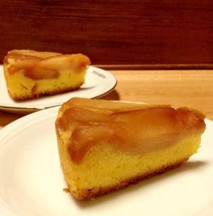 楽天が運営する楽天レシピ。ユーザーさんが投稿した「タルトタタン風りんごのケーキ」のレシピページです。じっくり焼かれた飴色のりんごとバター風味の生地の美味しいハーモニー。温かい飲み物と一緒に深まる秋を味わって♪。りんごケーキ。★りんご(皮を剥き8等分のくし形に切る),★上白糖,★レモン汁,無塩バター(常温で柔らかくしておく),上白糖,卵(常温に戻し溶いておく),◯薄力粉,◯ベーキングパウダー