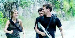 They're so happy!!! SHEO 4EVER... See what I did there? *wink wink*