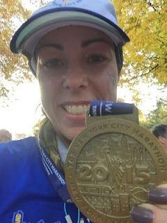 Medalha da Maratona de Nova York. A Maratona de NY é uma das World Marathon Majors. São as seis maiores e mais renomadas maratonas no mundo: Tóquio, Boston, Londres, Berlim, Chicago e Nova York.