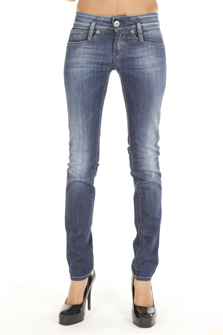 Distributed by EDWARDjeans