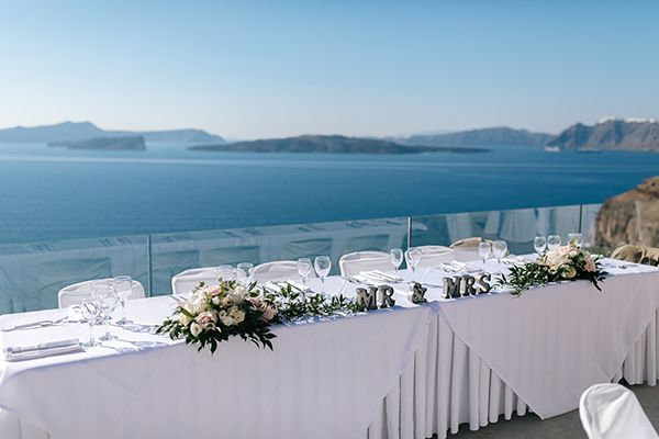 When you prepare a wedding dinner, in the majestic setting of Santorini, you have to keep the balance between nature and the setup.   www.spicybites.gr/en
