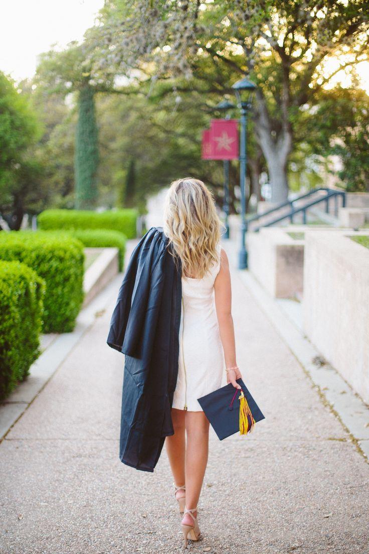 Texas State University | Senior Pictures | Graduation Pictures | paigevaughn.com