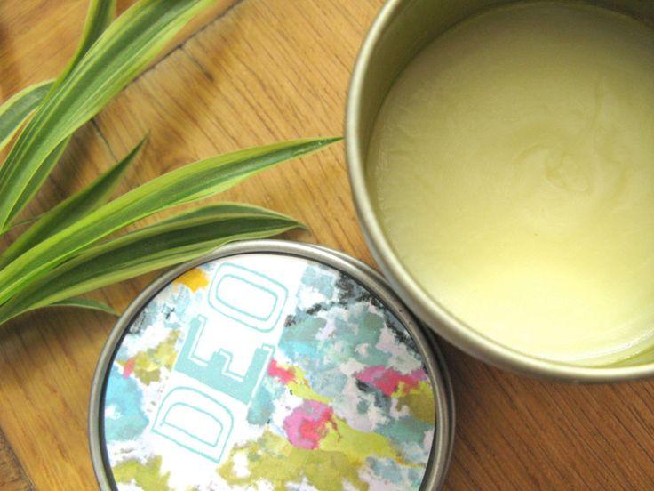Ein festes Shampoo ist praktisch und schont die Umwelt. Ihr könnt mit diesem Rezept festes Shampoo einfach selber machen. Dazu gibt es gratis Etikettenvorlagen