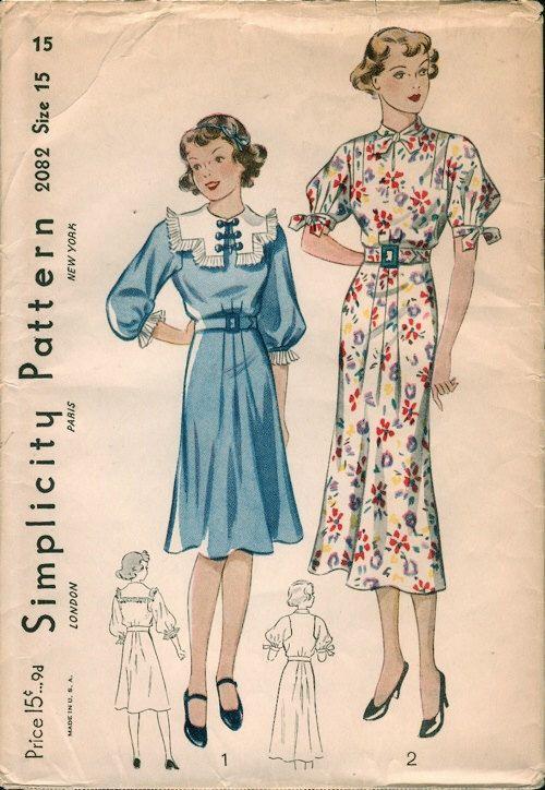 Beautiful Unused 1930s Simplicity 2082 Girls or Junior / Teens Two Versions Dress Sewing Pattern B33 di NostalgieVintage su Etsy https://www.etsy.com/it/listing/227466136/beautiful-unused-1930s-simplicity-2082