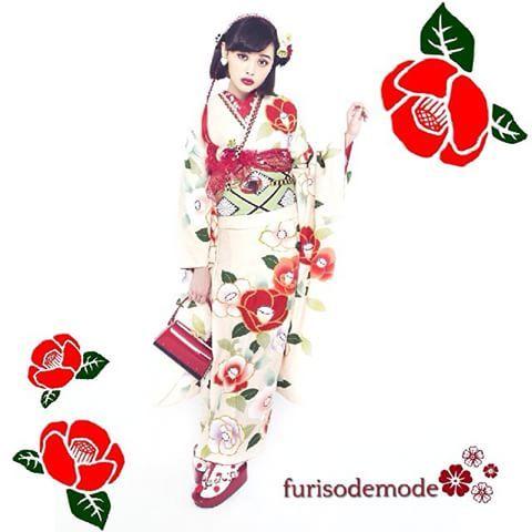 """椿の花言葉は""""控えめ"""" おしとやかな大人の女性に近づけますように♡ #椿 #camellia #TSUBAKI #たまぴよ #玉城ティナ #tamashirotina #成人式 #はたち #20 #ふりそで #振り袖 #振袖 #kimono #着物 #ふりそでMODE"""