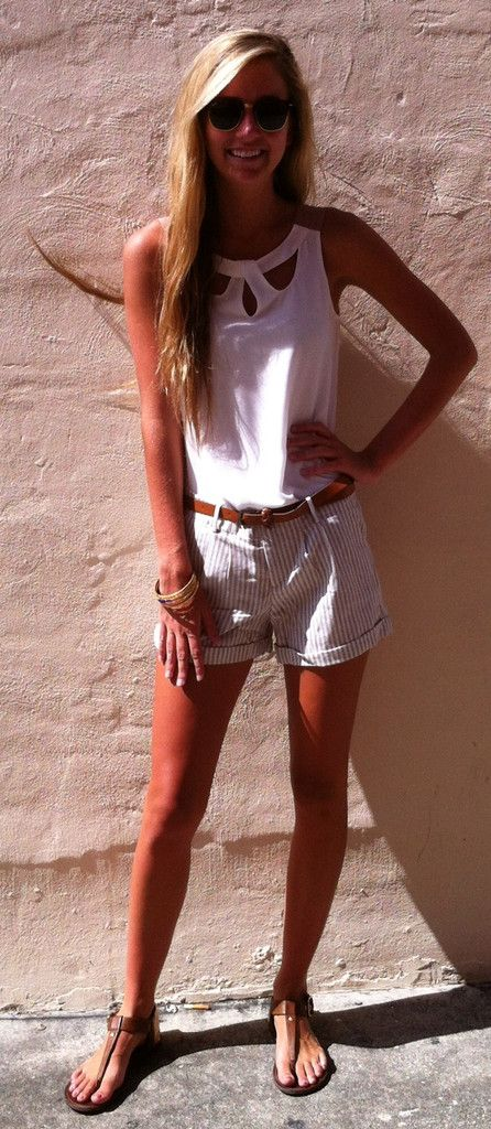 cute summer. I have these shorts - now I have the perfect outfit for them!