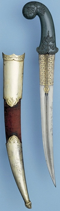 Indian khanjar (curved dagger), early 19th century, Indian (Mughal) hilt and scabbard, Indo-persian blade. The Royal Armouries at Leeds.