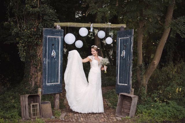 Credit: Sanne Popijus Fotografie - volk, vrouw, meisje, volwassen, een, portret, huwelijk (ritueel), jurk, bruid, buitenshuis
