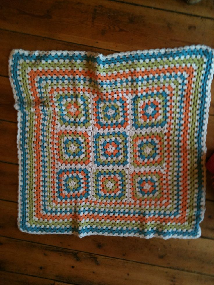 Baby Martha's blanket. I loved these colours!